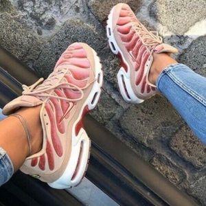 Nike Air max plus lux dusty peach women's shoes